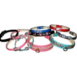 Sparkling Black Charm Collar with 3 Pink Flowers